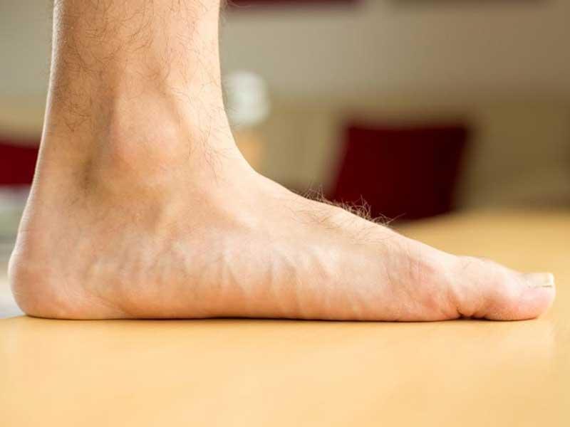 ۱۰ تمرین عالی برای بهبود کف پای صاف